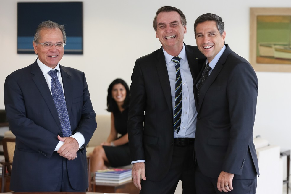Paulo Guedes, o presidente Jair Bolsonaro e Roberto Campos Neto